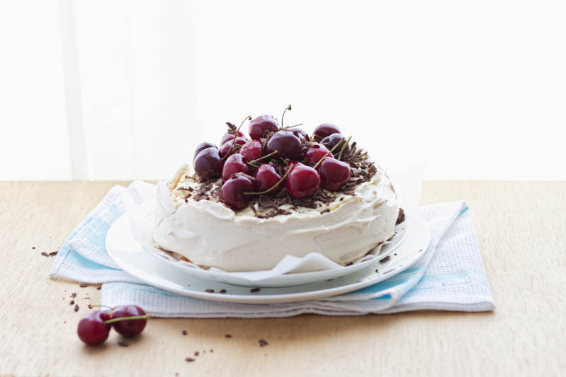 cherry chocolate pavlova-3