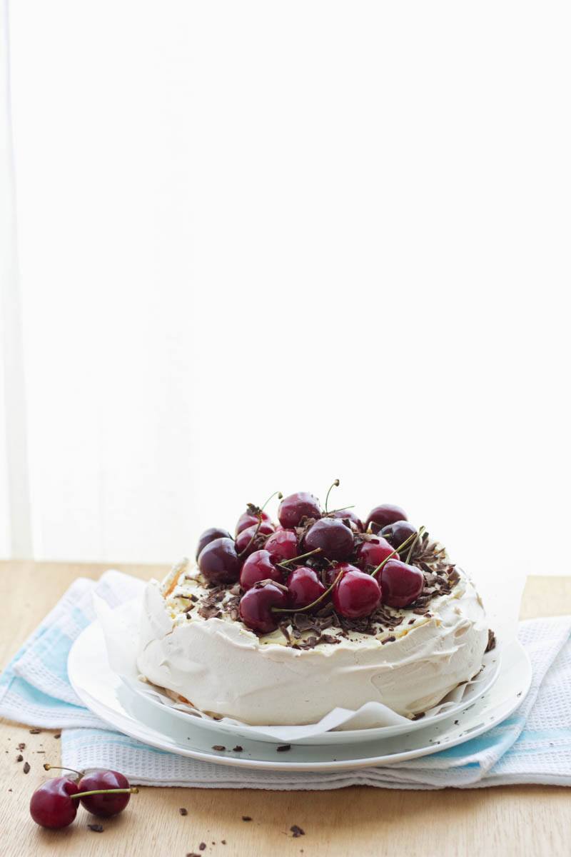cherry chocolate pavlova-4