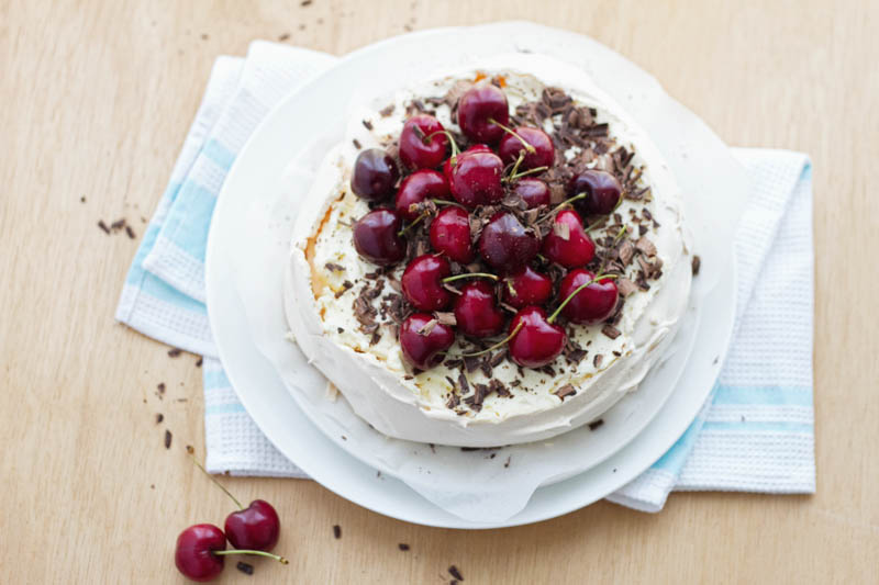 cherry chocolate pavlova-5