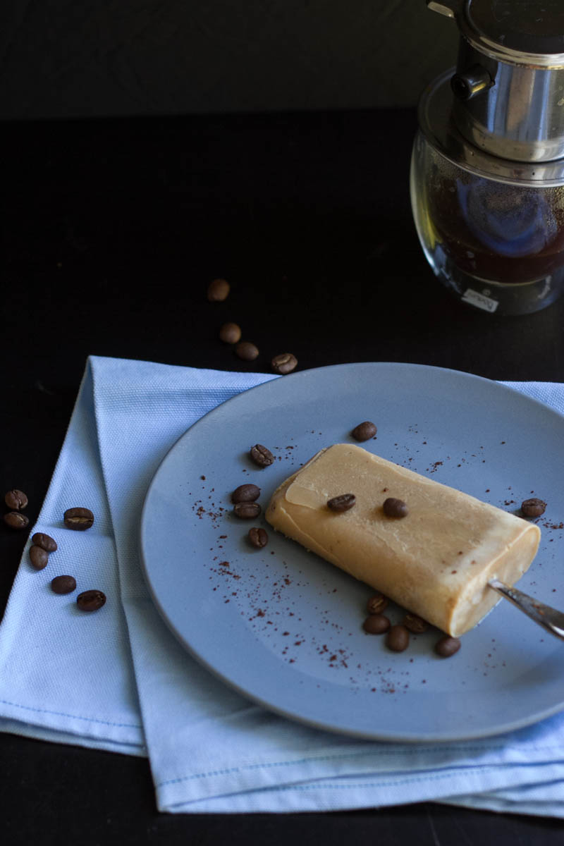 vietnamese-iced-coffee-popsicles-6