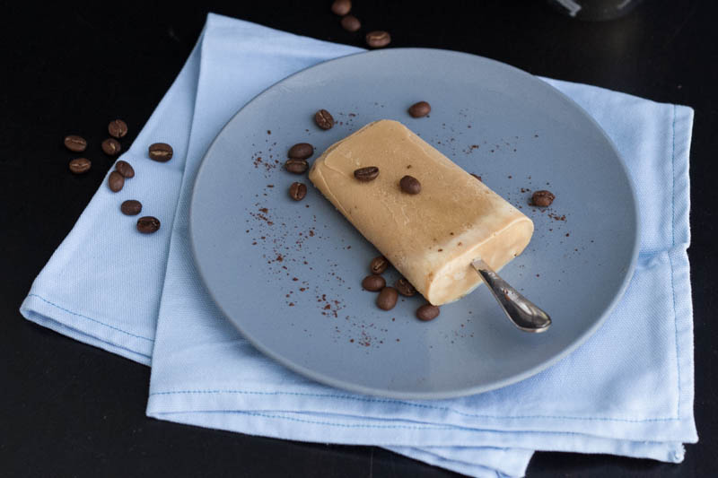 vietnamese-iced-coffee-popsicles-7
